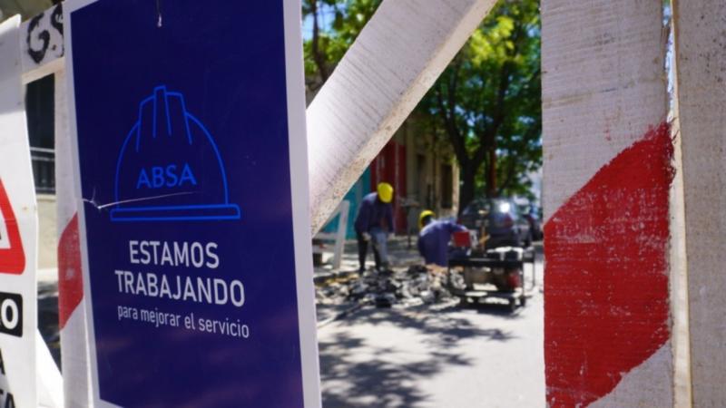 ABSA realiza mantenimiento en las redes de agua en La Plata