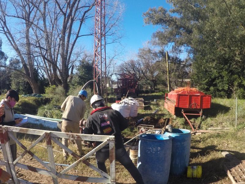 Dos nuevas perforaciones para la red de agua en Las Flores