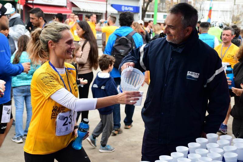 ABSA hidrató a los corredores de la Media Maratón 3 Ciudades