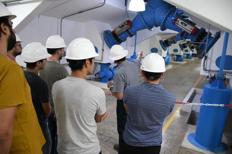 Alumnos de la carrera de Ingeniería Mecánica de la UTN visitaron la planta potabilizadora de Punta Lara