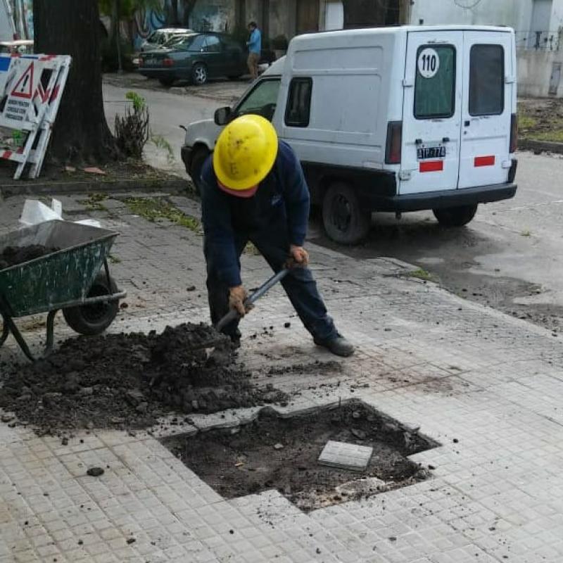 ABSA recambió cañerías en calle 9 entre 67 y 68 en La Plata